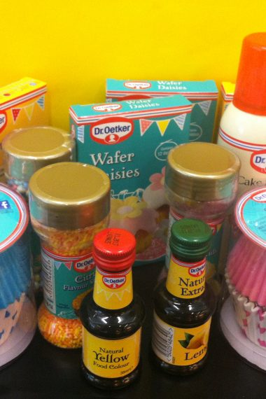 Recipe Review and Giveaway: Lemon Cupcake and Dr.Oetker Products (CLOSED)
