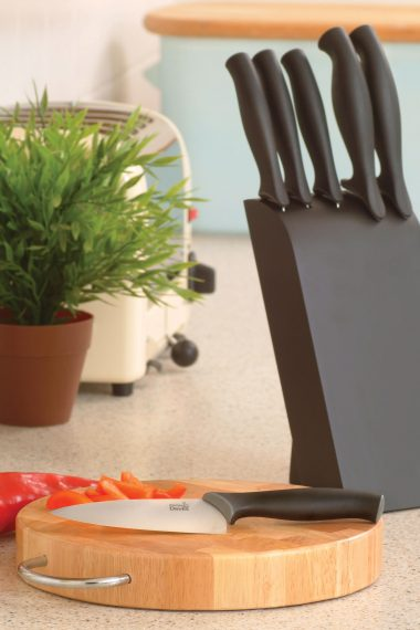 Product Review and Giveaway: Kitchen Devils Knives (CLOSED)